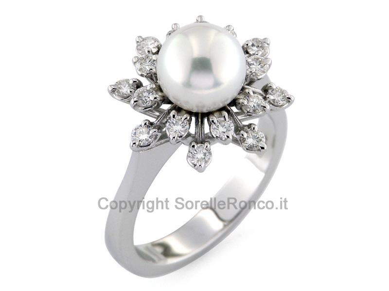 Anello perla in oro bianco e diamanti