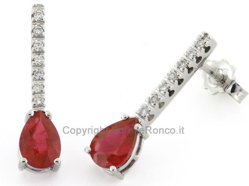 Orecchini pendenti con rubini e diamanti