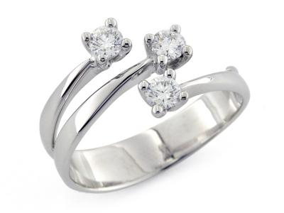 Anello Trilogy con Diamanti 0.62 ct